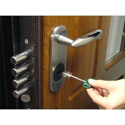 Как открыть дверь без ключа