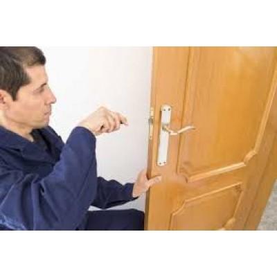 Когда устанавливать двери