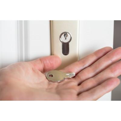 Сломался ключ в замке двери